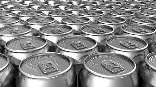 Juomatölkin rungot ovat tehty alumiinista.