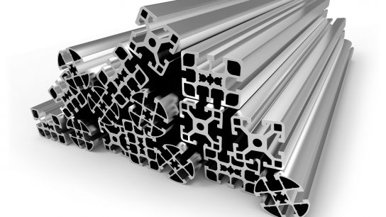 Alumiiniprofiilit on laajasti käytetty mm. rakennusteollisuudessa.