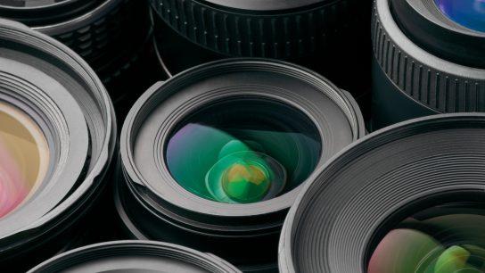 ALD menetelmällä saadaan mm. heijastamattomia pintoja aikaan.