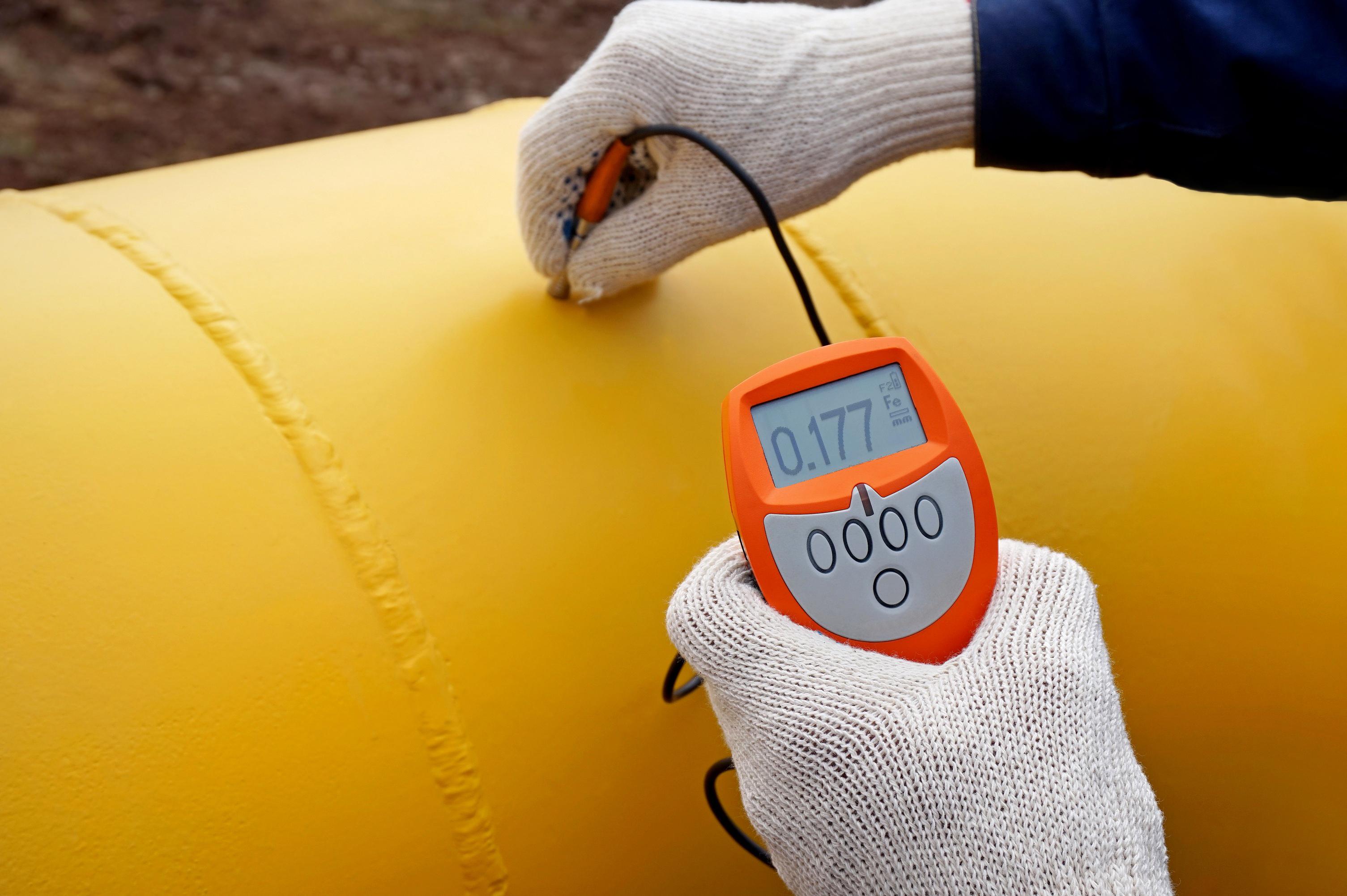 Kalvonpaksuuden mittauksella voidaan selvittää maalikalvojen paksuus.