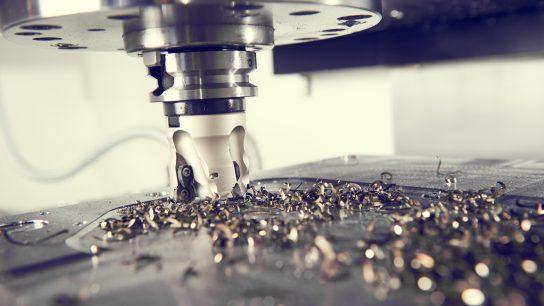 Metalleja voidaan koneistaa.