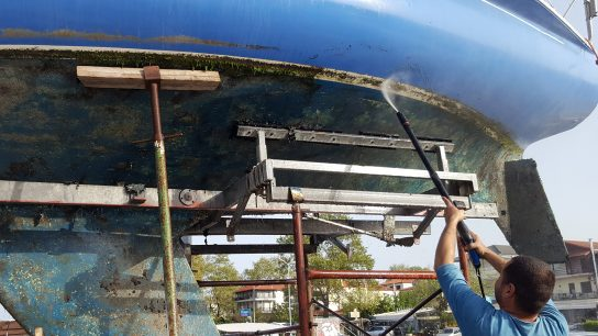 Antifouling maalien käyttöä veneissä on rajoitettu myrkyllisyyden takia