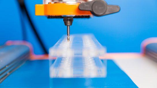 CNC- koneistus soveltuu myös muovin käsittelyyn.
